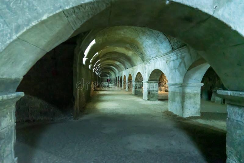 Υπόγειες στοές φόρουμ σε Arles στη Γαλλία στοκ εικόνα με δικαίωμα ελεύθερης χρήσης