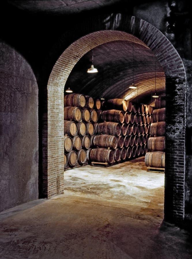 υπόγειο κρασί κελαριών στοκ φωτογραφίες