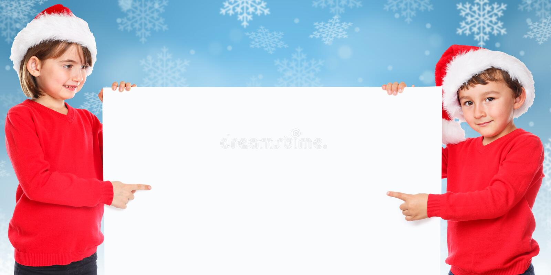 Υπόδειξη χιονιού παιδιών παιδιών Άγιου Βασίλη Χριστουγέννων που φαίνεται κενή στοκ εικόνα
