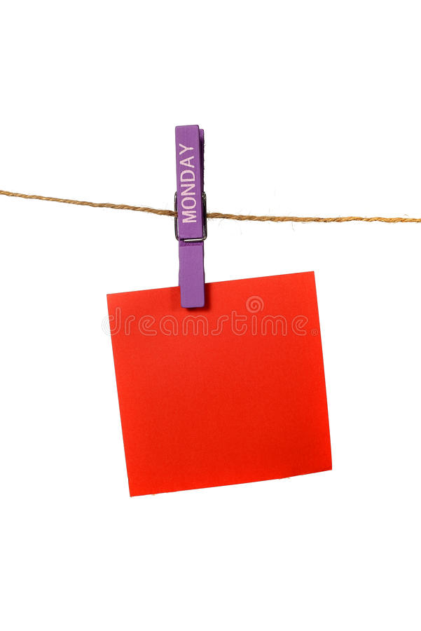Υπόμνημα Hangin χρώματος με την καρφίτσα υφασμάτων Δευτέρας στοκ εικόνες με δικαίωμα ελεύθερης χρήσης