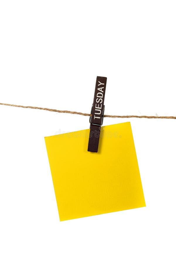 Υπόμνημα Hangin χρώματος με την καρφίτσα υφασμάτων στοκ εικόνα με δικαίωμα ελεύθερης χρήσης