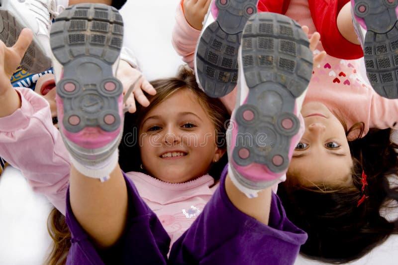 υψηλή εύθυμη όψη παιδιών γωνίας στοκ εικόνα με δικαίωμα ελεύθερης χρήσης