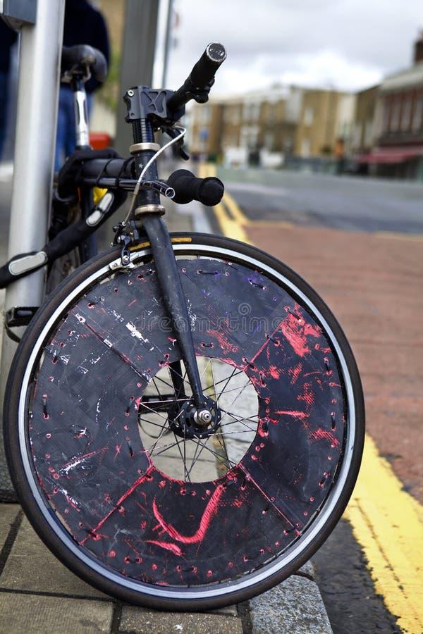 υψηλή οδός τρωγλών του Λονδίνου s επίδρασης αντίθεσης αστική στοκ εικόνα