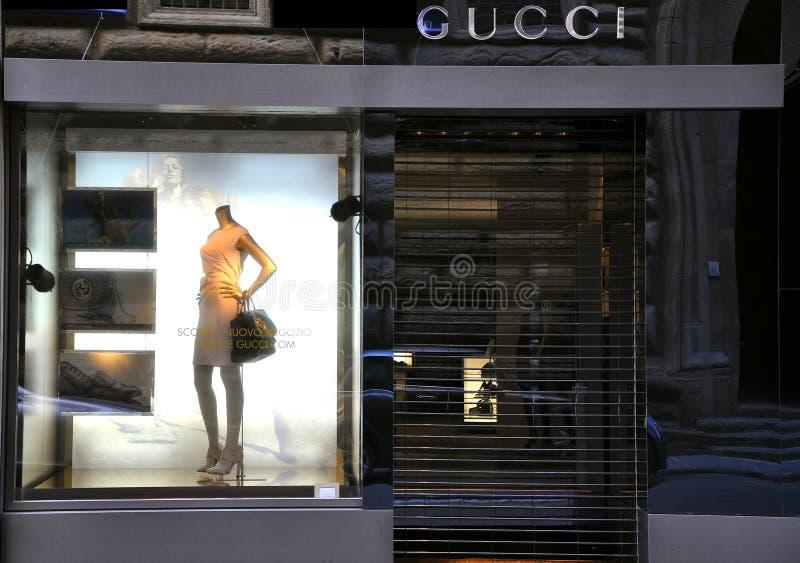 Υψηλό κατάστημα μόδας της Gucci στη Φλωρεντία, Ιταλία   στοκ φωτογραφίες με δικαίωμα ελεύθερης χρήσης