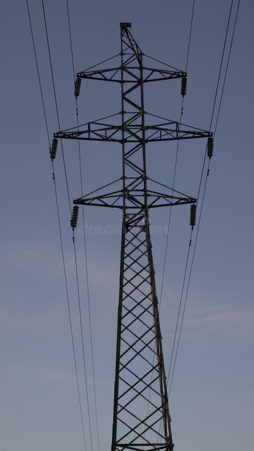 Υψηλής τάσεως ηλεκτροφόρο καλώδιο στοκ εικόνα με δικαίωμα ελεύθερης χρήσης