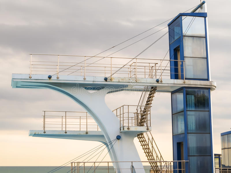 Υψηλός πύργος κατάδυσης στοκ εικόνα με δικαίωμα ελεύθερης χρήσης