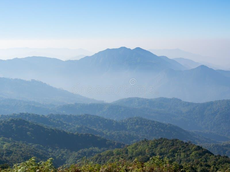Υψηλότερη θέα βουνού στοκ φωτογραφία με δικαίωμα ελεύθερης χρήσης