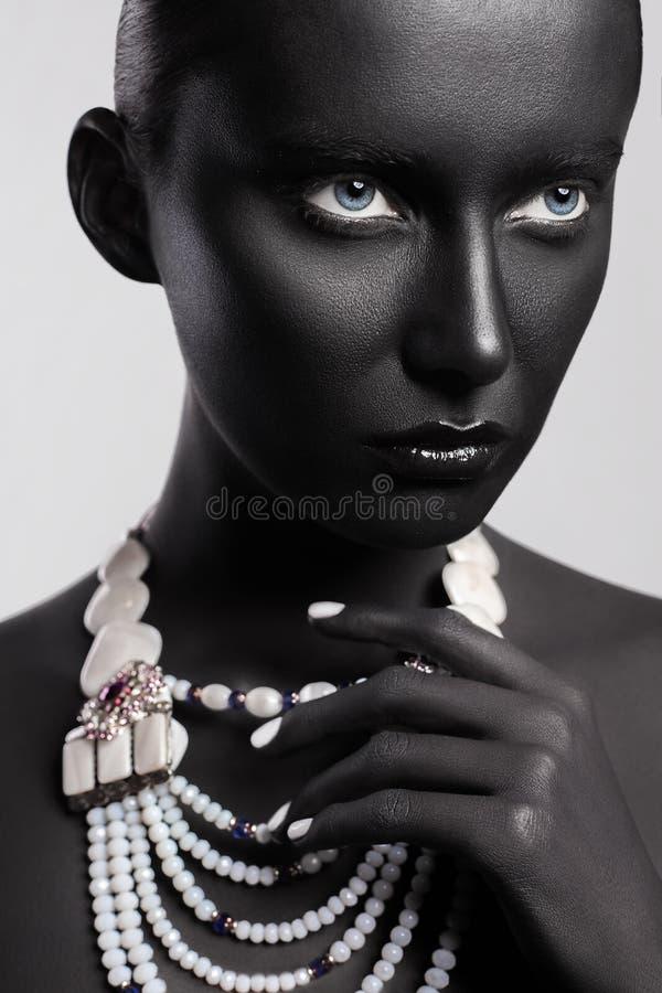 Υψηλό ύφος ομορφιάς μόδας Τέχνη προσώπου στοκ εικόνες