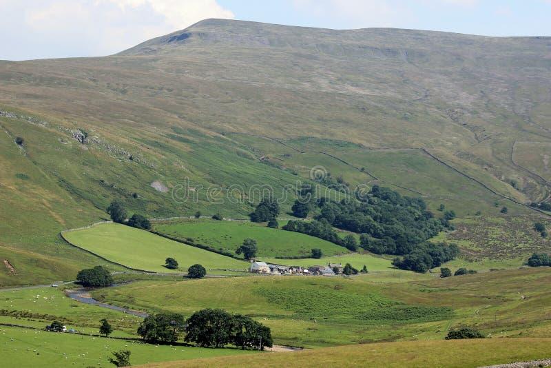Υψηλό Hill λούτσων, άκρη Mallerstang, κατώτατο σημείο Birkett στοκ εικόνα
