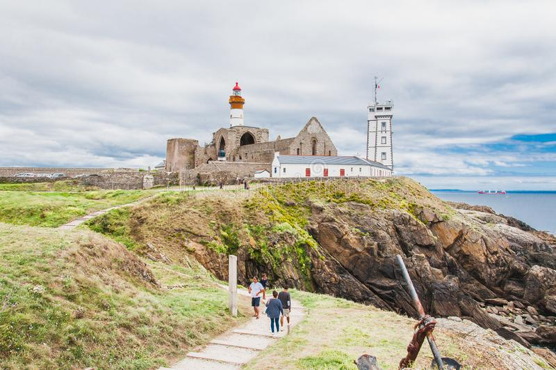 Φάρος Άγιος-Mathieu και πρώην αβαείο σε Pointe Άγιος-Mathieu στοκ εικόνα