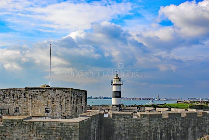 Φάρος και Castle Southsea στοκ εικόνες