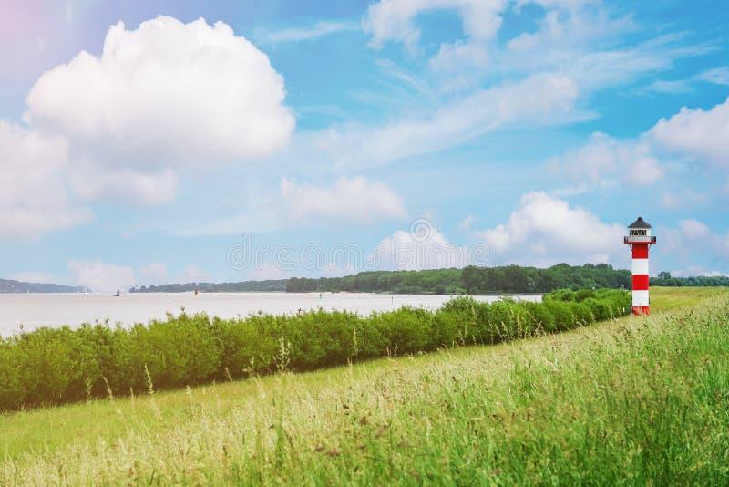Φάρος στον ποταμό Elbe στοκ φωτογραφίες