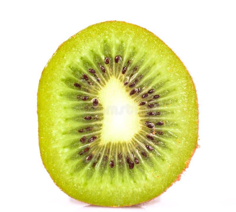 Φέτα των φρέσκων φρούτων ακτινίδιων που απομονώνονται στο άσπρο υπόβαθρο στοκ εικόνα