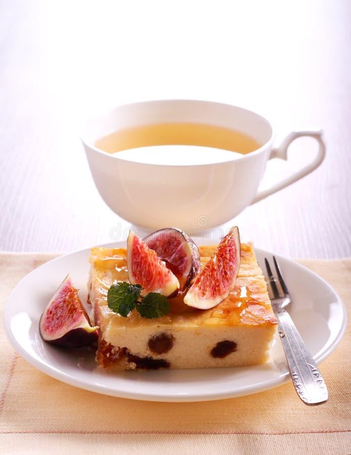 Φέτα cheesecake με τη σταφίδα και το σύκο και το μέλι στοκ εικόνες