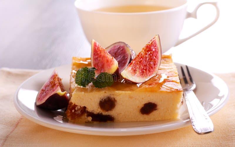 Φέτα cheesecake με τη σταφίδα και το σύκο στοκ φωτογραφία με δικαίωμα ελεύθερης χρήσης