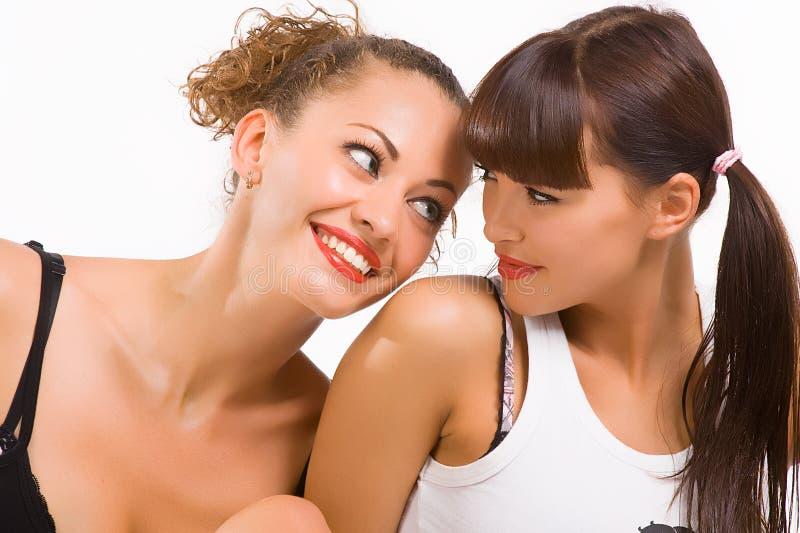 φίλες ευτυχή δύο στοκ φωτογραφίες με δικαίωμα ελεύθερης χρήσης