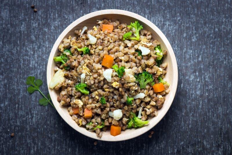 Φαγόπυρο με τα λαχανικά στοκ εικόνα
