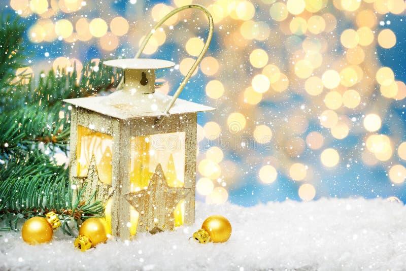 Φανάρι και το FIR Χριστουγέννων στοκ φωτογραφίες