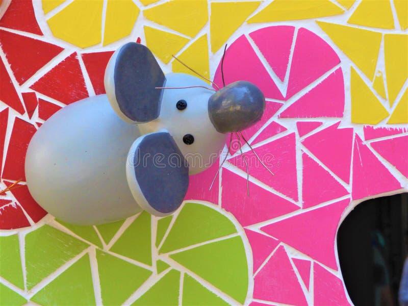 Φαντασιόπληκτο γλυπτό ενός ποντικιού για τις φωτιές Αγίου John στην Αλικάντε Ισπανία στοκ εικόνα
