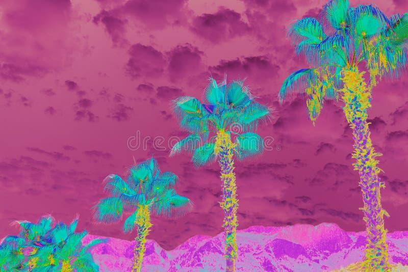 Φανταστικό πολύχρωμο υπερφυσικό τοπίο με τους φοίνικες και το νεφελώδη ουρανό στοκ φωτογραφία