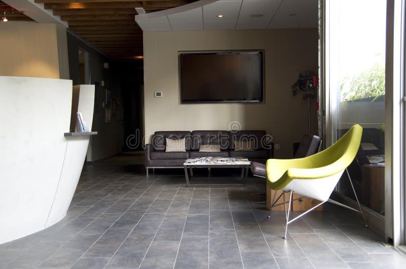 Φανταχτερό εσωτερικό αίθουσας αναμονής γραφείων στοκ εικόνες με δικαίωμα ελεύθερης χρήσης