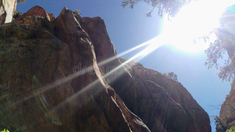 Φαράγγι κολπίσκου Kanarra με τις ηλιαχτίδες στοκ εικόνα με δικαίωμα ελεύθερης χρήσης