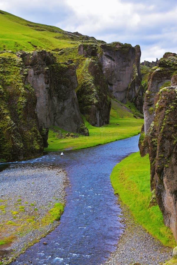 Φαράγγι Fjadrargljufur και ποταμός στοκ φωτογραφίες