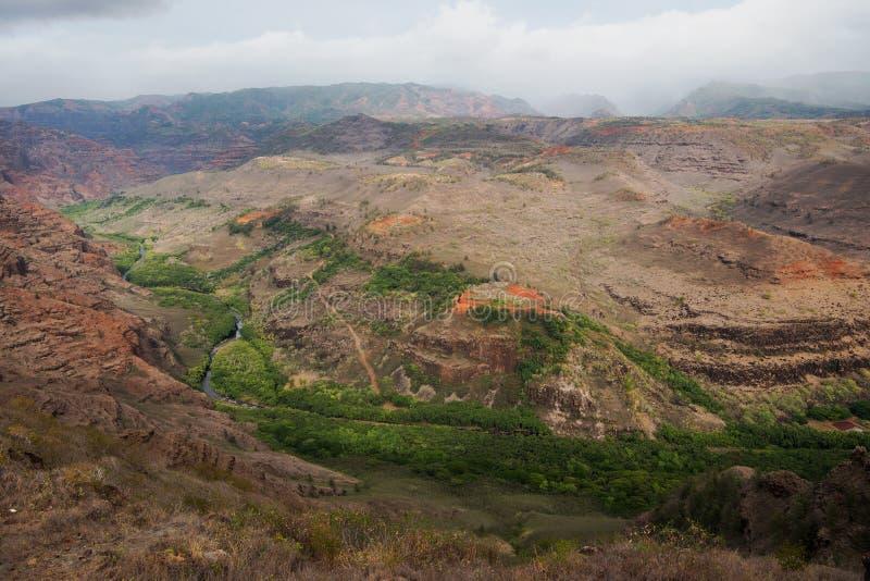 Φαράγγι Waimea στο βρόχο φύσης Iliau στοκ φωτογραφία