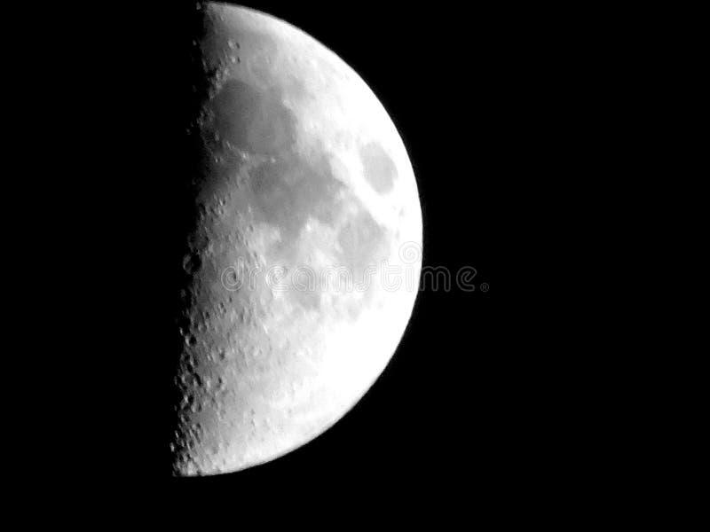 Φεγγάρι κατωφλιών γραπτό στοκ εικόνες