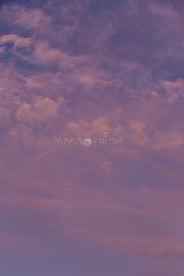 Φεγγάρι ξημερωμάτων στοκ εικόνα