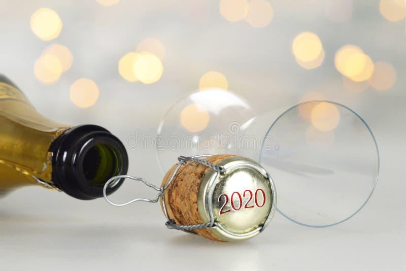 Φελλός σαμπάνιας για το νέο έτος με αριθμό 2020 στοκ φωτογραφίες