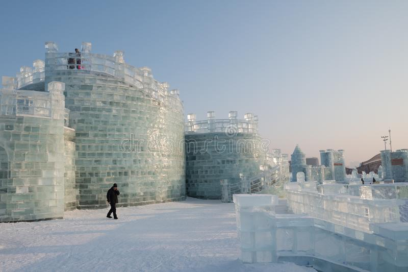 Φεστιβάλ 2018 πάγου και χιονιού του Χάρμπιν - πάγος όπως την ηλιοφάνεια ημέρας γυαλιού στοκ εικόνες