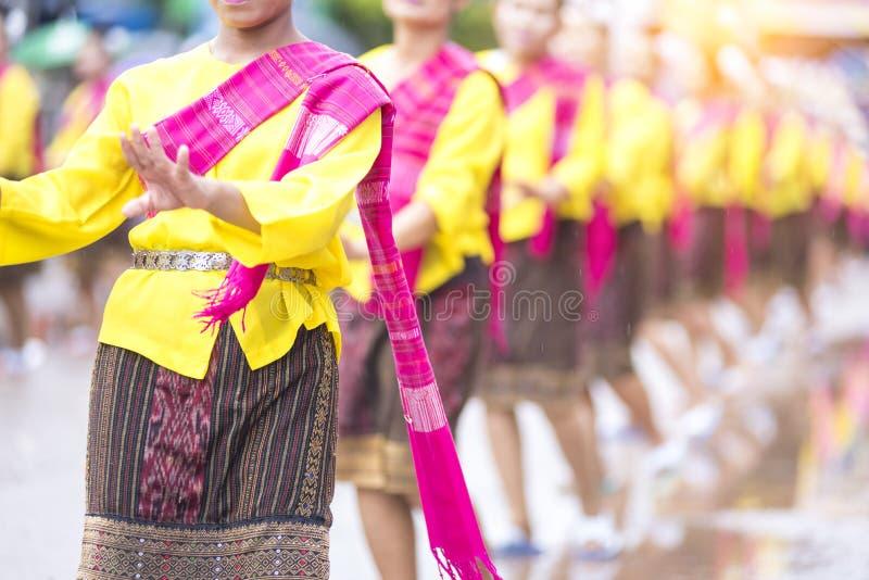Φεστιβάλ πυραύλων, ταϊλανδική αρχική περίοδος βροχών βορειοανατολικού τοπική πολιτισμού, ταϊλανδικός χορός στοκ φωτογραφία με δικαίωμα ελεύθερης χρήσης