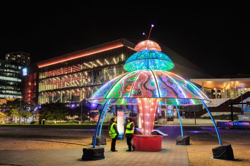 """Φεστιβάλ φωτισμού του """"ζωηρού Σίδνεϊ """", Σίδνεϊ, Αυστραλία Επίδειξη νύχτας σε ένα πάρκο στοκ εικόνες με δικαίωμα ελεύθερης χρήσης"""