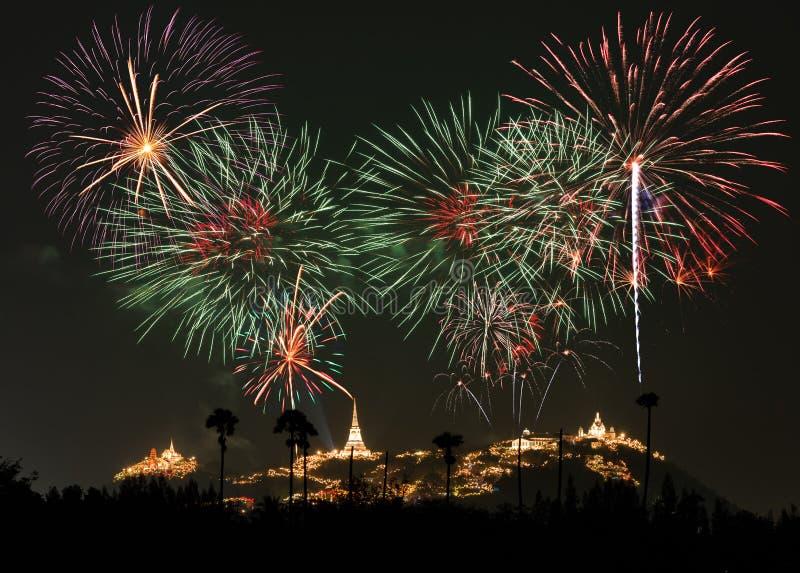 Φεστιβάλ πυροτεχνημάτων σε Phetchaburi, Ταϊλάνδη στοκ εικόνα
