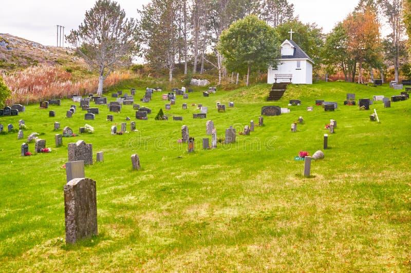 Φθινόπωρο στο νορβηγικό νεκροταφείο στοκ εικόνες