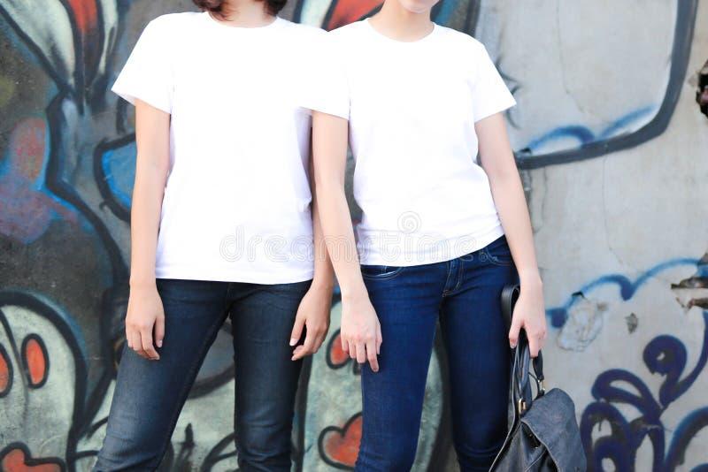Φθορά δύο φίλων στοκ εικόνα με δικαίωμα ελεύθερης χρήσης