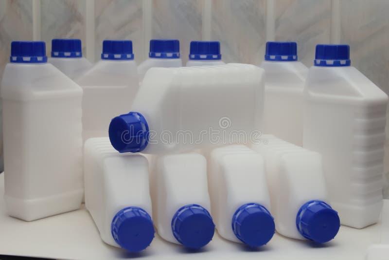 Φιάλη, περιέκτης, πλαστικό, λευκό 1 λίτρο στοκ φωτογραφίες με δικαίωμα ελεύθερης χρήσης