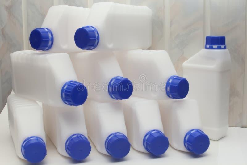 Φιάλη, περιέκτης, πλαστικό, λευκό 1 λίτρο στοκ εικόνα