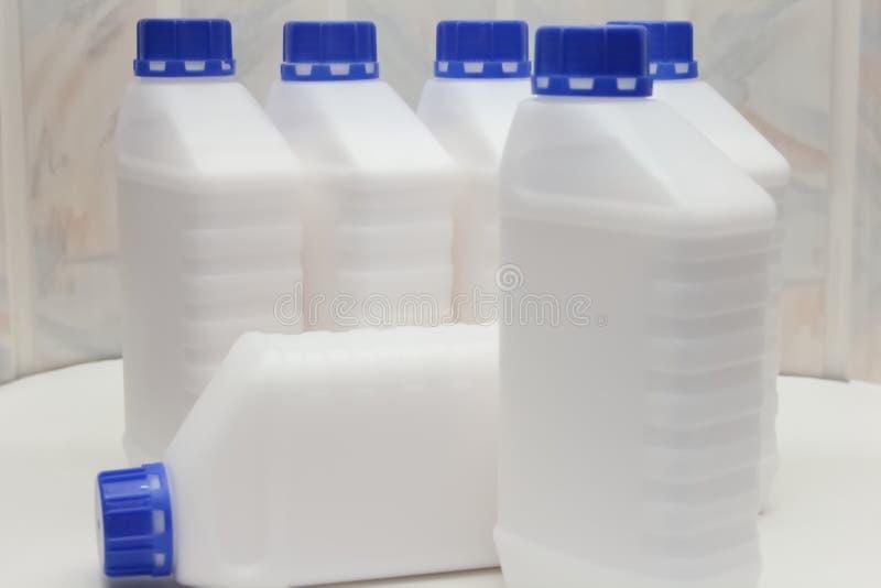 Φιάλη, περιέκτης, πλαστικό, λευκό 1 λίτρο στοκ φωτογραφία με δικαίωμα ελεύθερης χρήσης