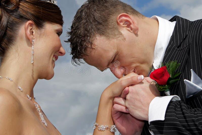 φιλιά χεριών στοκ φωτογραφίες