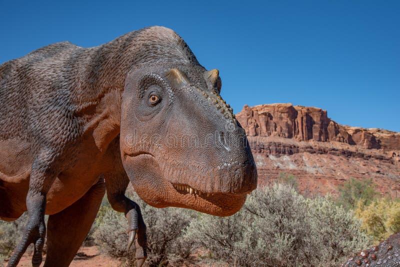 Φιλικός δεινόσαυρος στην έρημο στοκ εικόνα