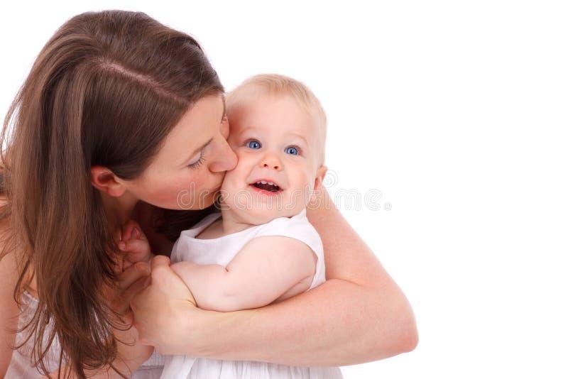 φιλώντας μητέρα μωρών στοκ εικόνες με δικαίωμα ελεύθερης χρήσης