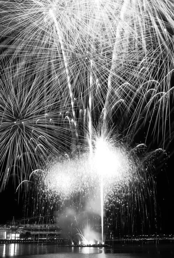 Φινάλε πυροτεχνημάτων στη Σιγκαπούρη στοκ εικόνες με δικαίωμα ελεύθερης χρήσης