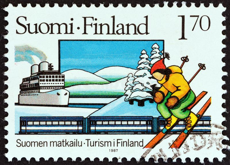 ΦΙΝΛΑΝΔΙΑ - ΠΕΡΊΠΟΥ 1987: Στη Φινλανδία, τυπώθηκε σφραγίδα με την ένδειξη Borea liner, Ντίζελ Train, Χιονάτη και Skier, περίπου τ στοκ φωτογραφίες με δικαίωμα ελεύθερης χρήσης