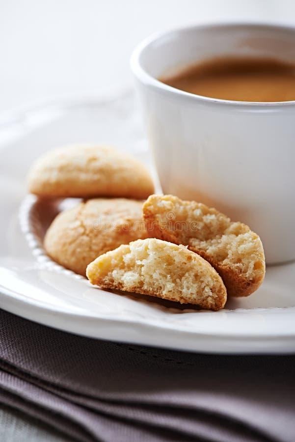 Φλιτζάνι του καφέ με το biscotti στοκ φωτογραφία με δικαίωμα ελεύθερης χρήσης