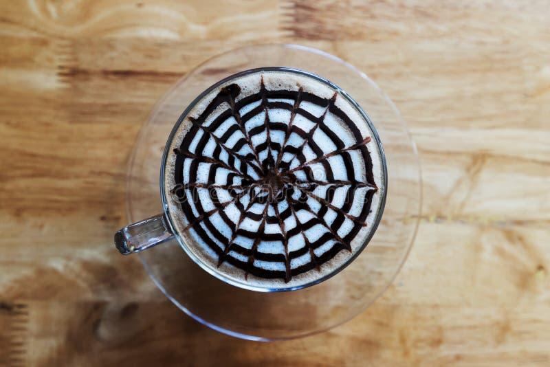 Φλιτζάνι του καφέ στον ξύλινο πίνακα, τοπ άποψη στοκ φωτογραφία με δικαίωμα ελεύθερης χρήσης