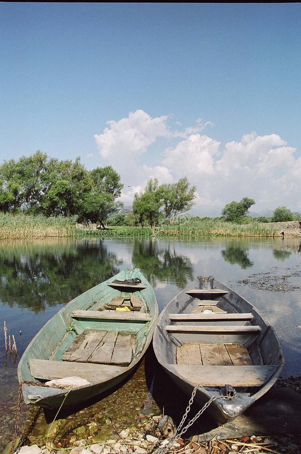 Download φλοιοί στοκ εικόνες. εικόνα από ποταμοί, εργασία, χρώματα - 385464