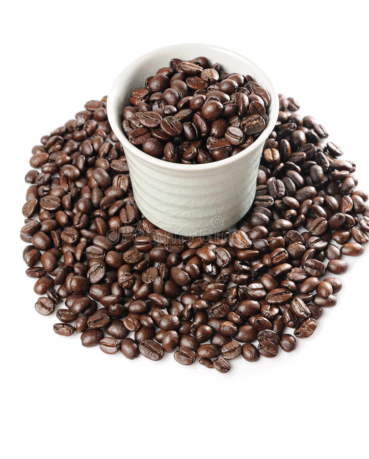 Download φλυτζάνι καφέ φασολιών στοκ εικόνα. εικόνα από φασολιών - 17054185