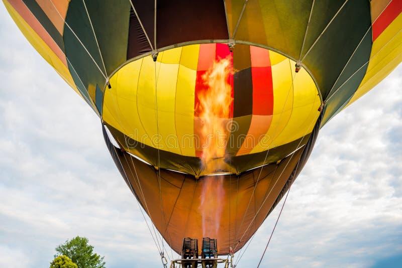 Φλόγα καυστήρων μπαλονιών ζεστού αέρα στοκ εικόνες